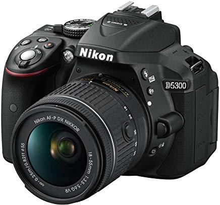 "Nikon D5300 Fotocamera Digitale Reflex + Nikkor AF-P 18-55VR, 24.1 Mbps, LCD HD da 3"" Regolabile, SD da 8GB, 300x Premium Lexar,"